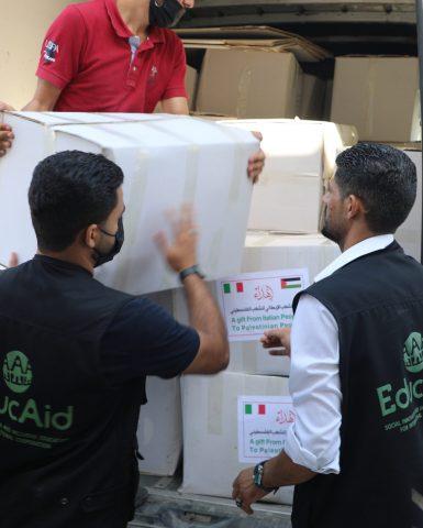 #InsiemePerLaPalestina: ad EducAid la gestione della distribuzione dei kit di prima necessità alle famiglie sfollate di Gaza